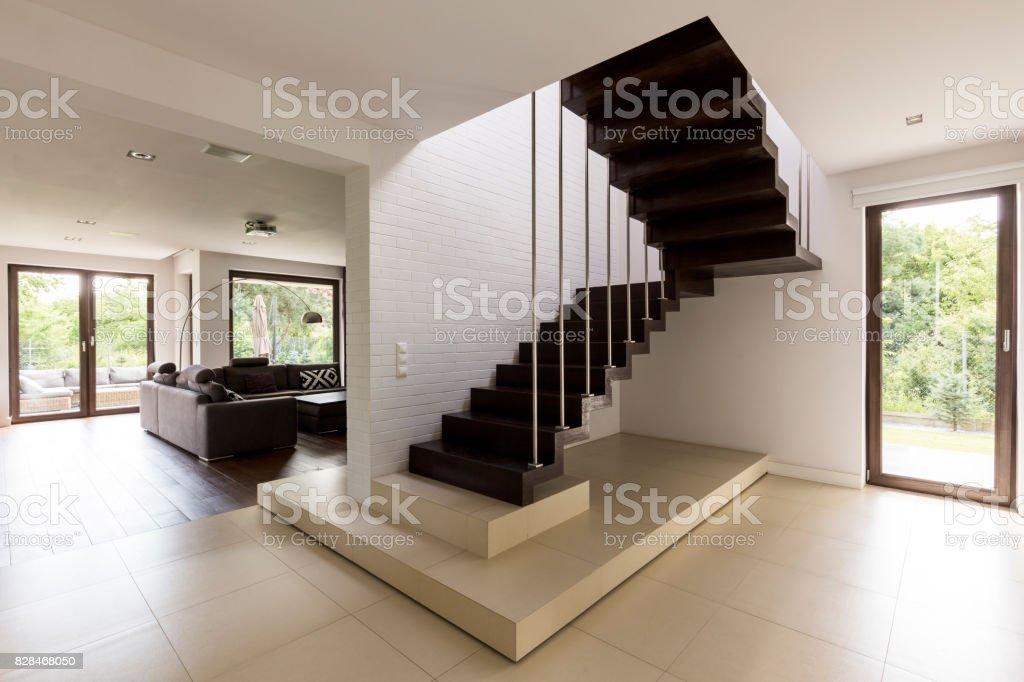 Treppe Im Wohnzimmer Stockfoto und mehr Bilder von Beige ...