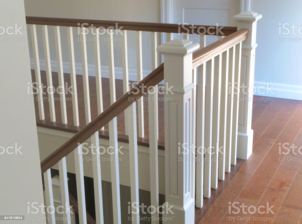 Trap hout wit modern klassieke trappen interieur stockfoto en meer