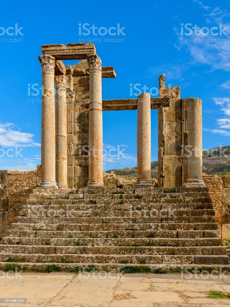 Escalier à Djemila, la zone archéologique du berbère-romain bien conservé les ruines en Afrique du Nord, Algérie. Patrimoine mondial de l'UNESCO - Photo