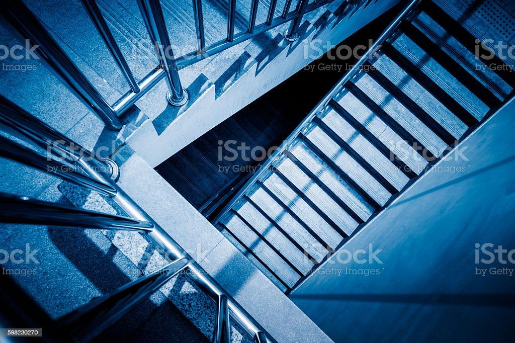 Escadas em office building foto royalty-free