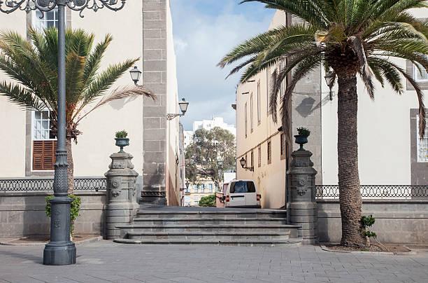 treppen in santa ana plaza - wandleuchte treppenhaus stock-fotos und bilder
