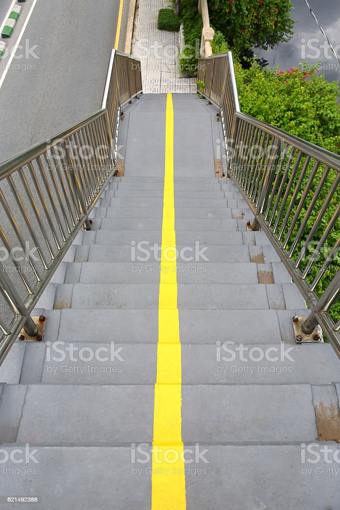 Stairs of the overpass in the city. photo libre de droits