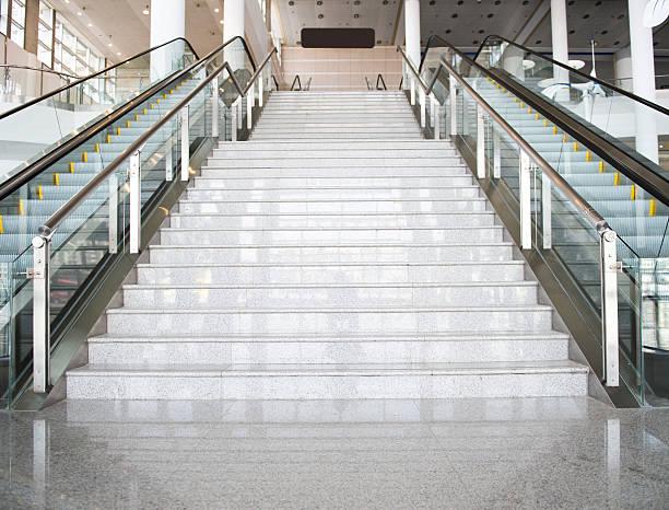 die treppe - u bahnstation stock-fotos und bilder