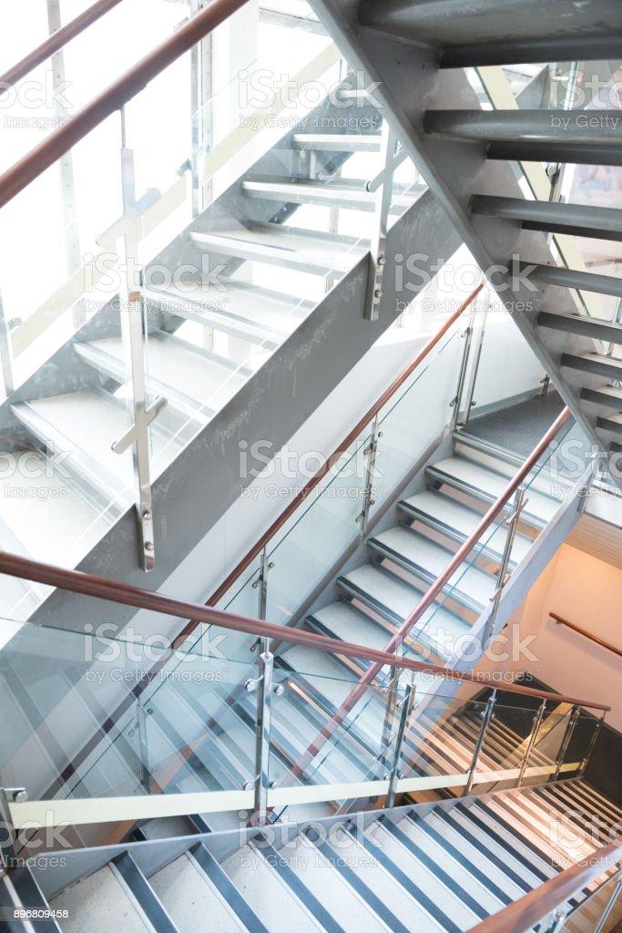 Treppe und Fenster der Fähre – Foto