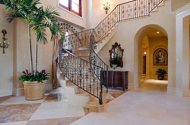 treppe - eingangshalle wohngebäude innenansicht stock-fotos und bilder