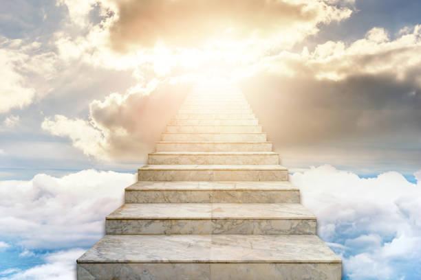 Treppe zum Himmel. Konzept Religion Hintergrund – Foto