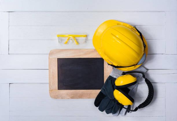 safety first afbeeldingen beelden en stockfoto 39 s istock. Black Bedroom Furniture Sets. Home Design Ideas