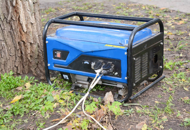 Standby-Generator-outdoor Power apparatuur. Draagbare generator op de woningbouw site. Close-up op Home Mobile back-up generator. foto