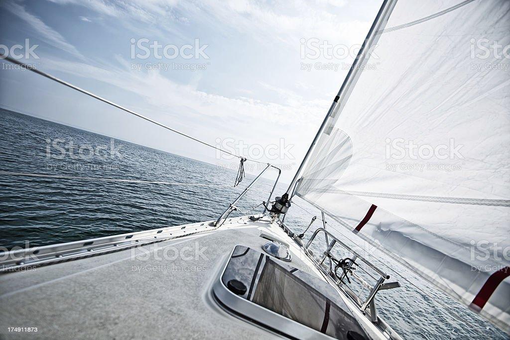 Auf einem Segelboot deck in einem Segelausflug – Foto