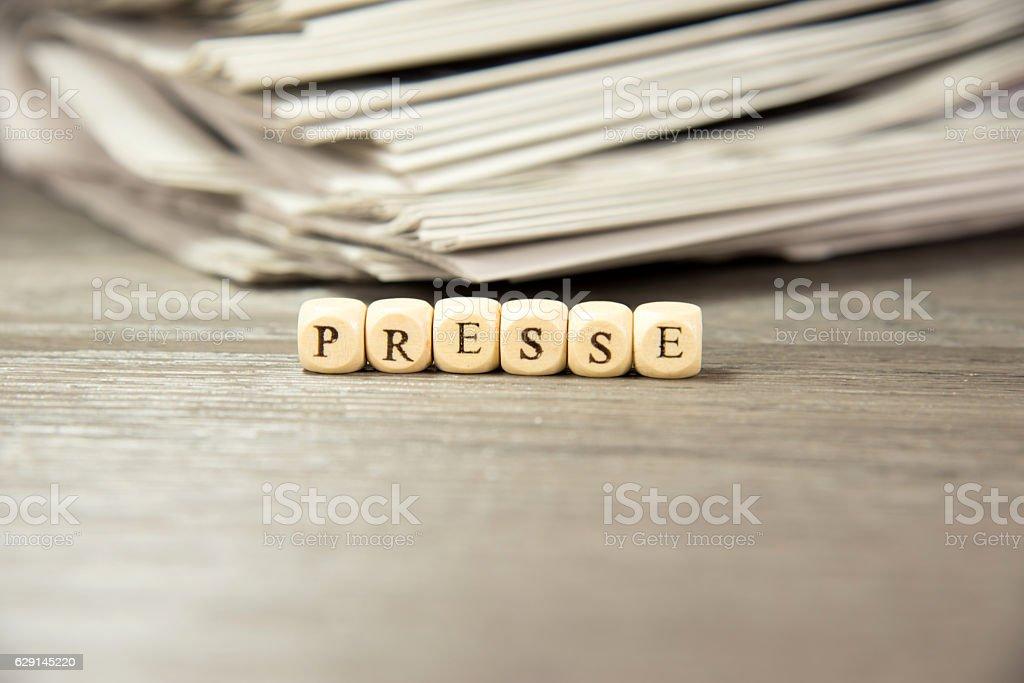 Stapel von Zeitungen stock photo
