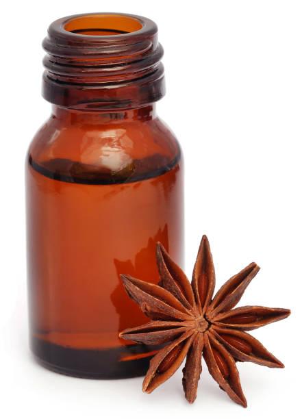 anis étoilé avec huiles essentielles - Photo