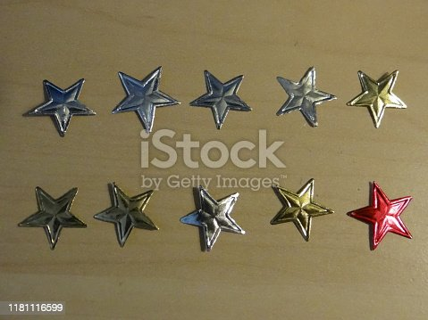 istock Star sticker 1181116599
