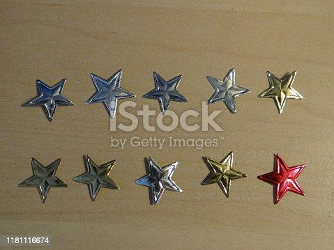 istock Star sticker 1181116674