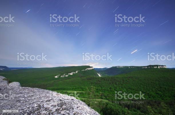 Gwiezdne Szlaki I Góry - zdjęcia stockowe i więcej obrazów Astrologia