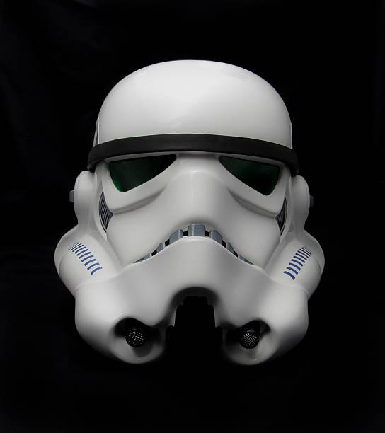 star wars stormtrooper helm - faschingskostüme star wars stock-fotos und bilder