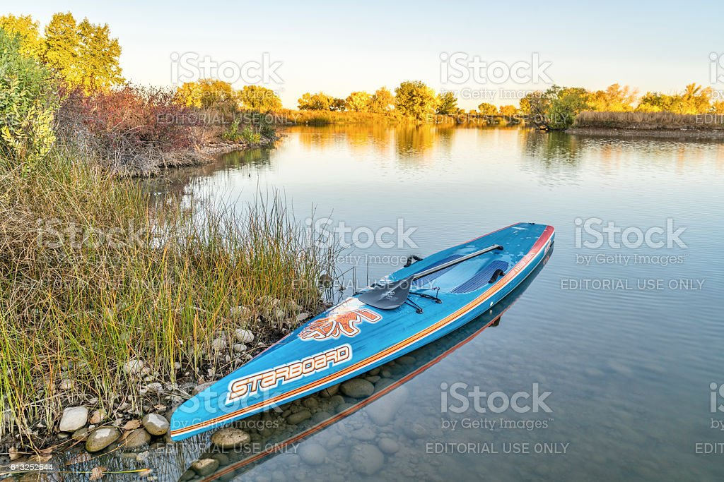 Starboard racing stand up paddleboard - foto de acervo