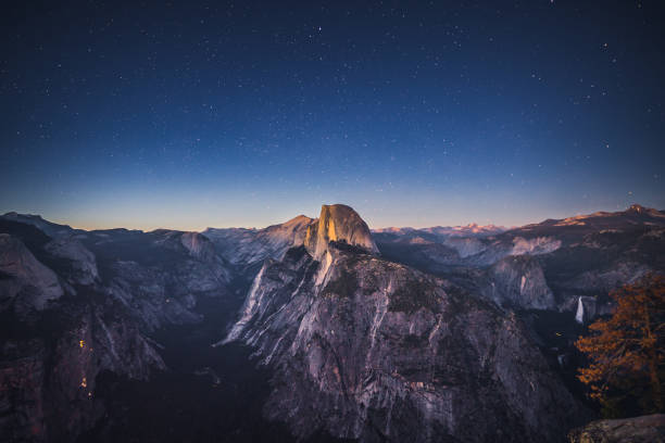 Starry Night above Half Dome in Yosemite National Park, California, USA Starry Night above Half Dome in Yosemite National Park, California, USA el capitan yosemite national park stock pictures, royalty-free photos & images