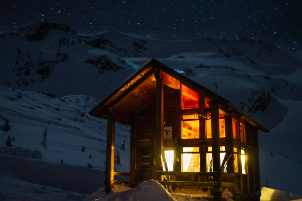 starry night at the cozy asulkan cabin in roger's pass - british columbia glacier national park stock pictures, royalty-free photos & images