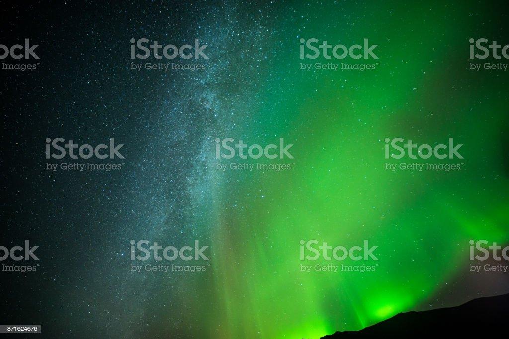 星星和北極光圖像檔