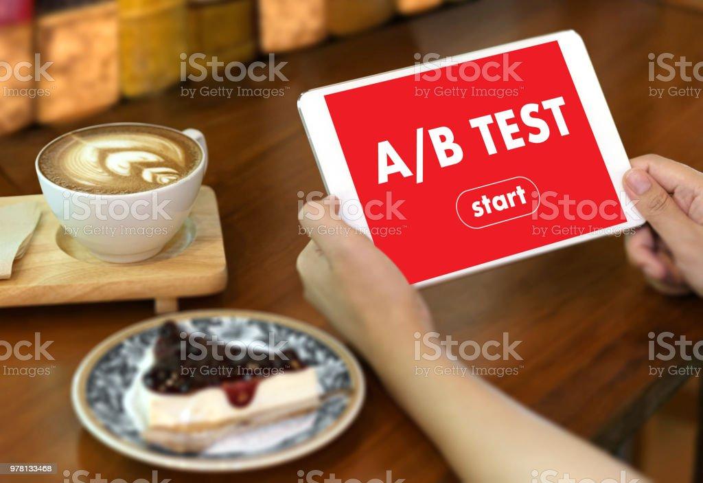 A / start TEST B y A B comparación. Partido de prueba - foto de stock