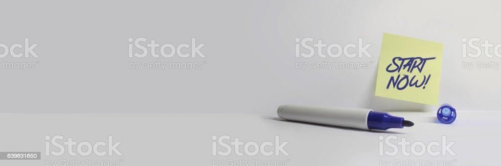 Start Now - Motivation Büro Arbeit Karriere Bewerbung Job Hintergrund stock photo