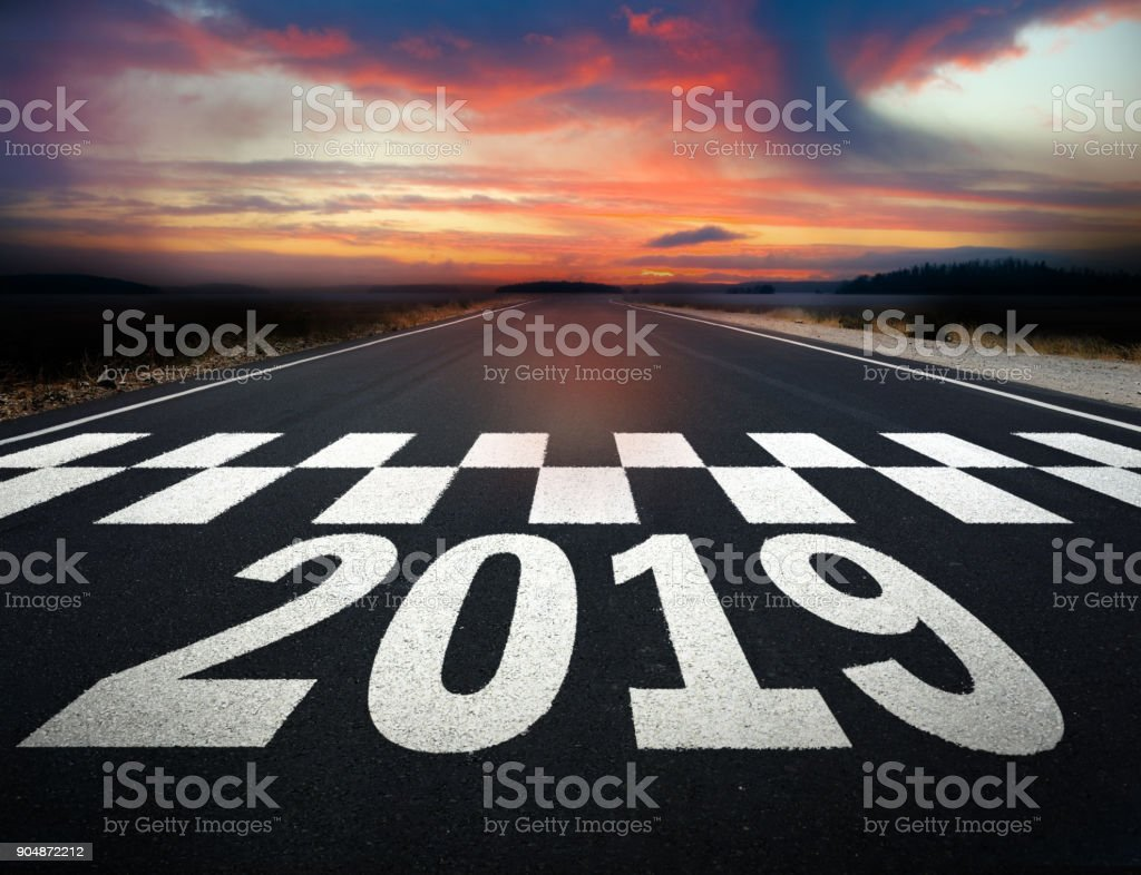Start of 2019 road marking, note paint details - foto stock