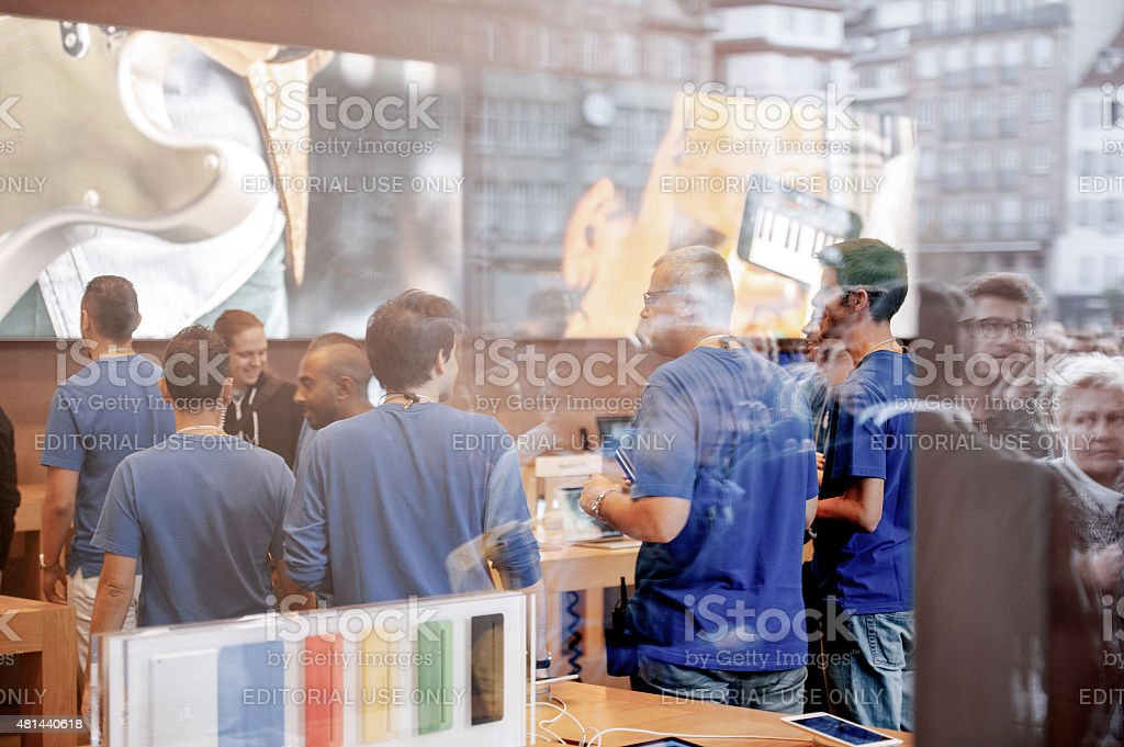 Start of iPhone 6 sales stock photo