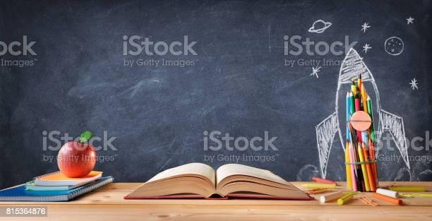 Start school concept picture id815364876?b=1&k=6&m=815364876&s=612x612&h=uxk74sluehxalroe ukvvmw15xtvb0ermcpefgddlhk=