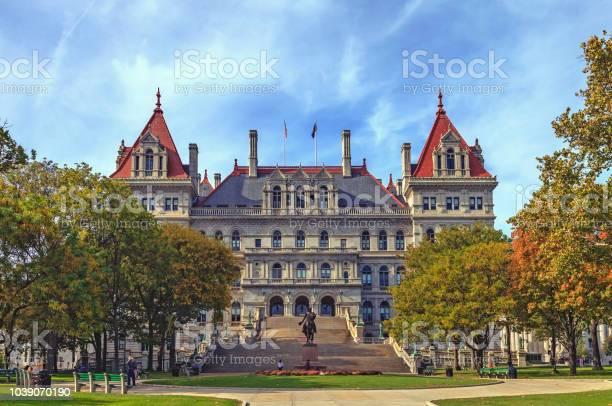 State capitol building in albany picture id1039070190?b=1&k=6&m=1039070190&s=612x612&h=mr7wye61qbabcvygh99uyf3gvchozmozpntc4pbtwew=