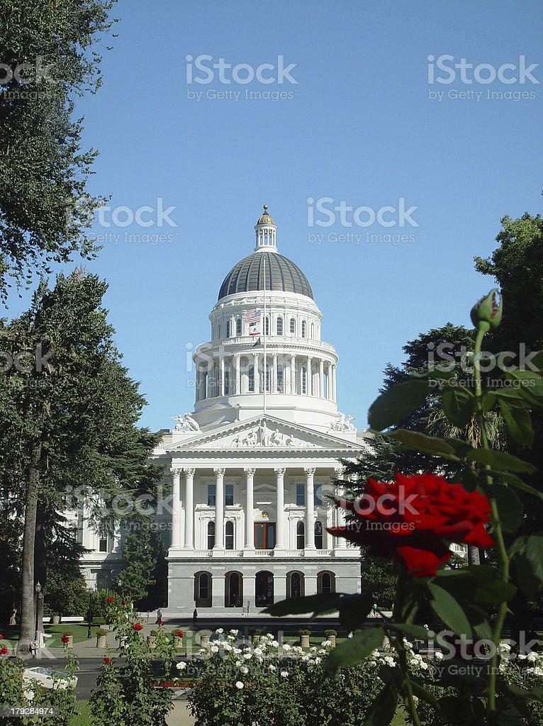 Capitólio do Estado da Califórnia, na cidade de Sacramento. - foto de acervo