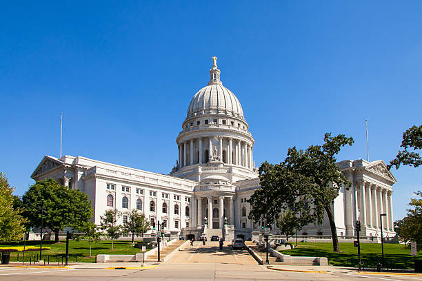 State Capitol of Wisconsin, Madison, USA State Capitol of Wisconsin, Madison, USA. Wisconsin is a tributary of the Mississippi River in Wisconsin, a midwestern state in north central United States wisconsin stock pictures, royalty-free photos & images