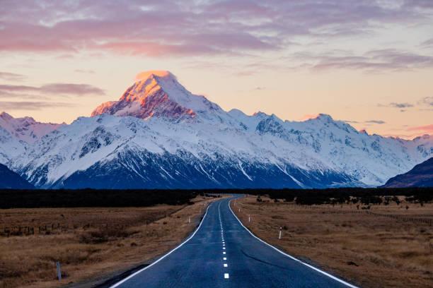 state highway 80-vägen till aoraki - snötäckt bildbanksfoton och bilder