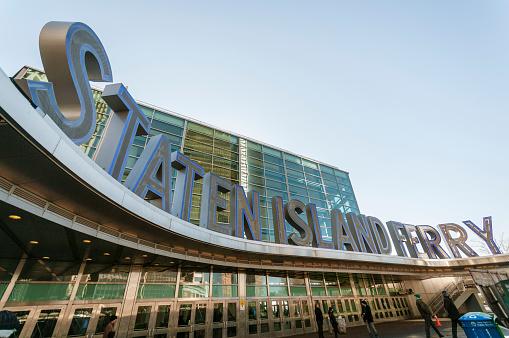 Foto de Edifício De Staten Island Ferry e mais fotos de stock de Barco de passageiros