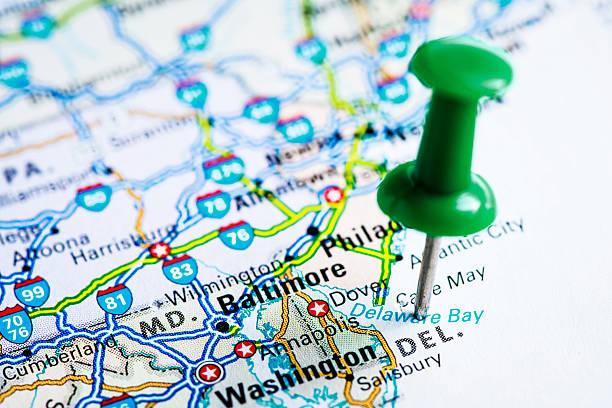 usa staaten auf der karte: delaware - karten de stock-fotos und bilder