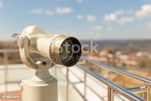 Stationary observation binoculars in sity close up