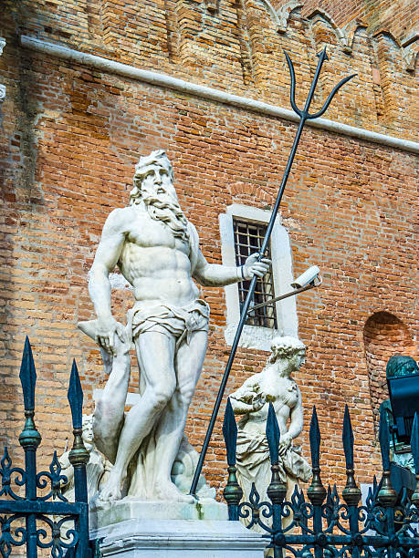statue at  the Porta Magna at the Venetian Arsenal statue at  the Porta Magna at the Venetian Arsenal, Venice, Italy porta magna stock pictures, royalty-free photos & images