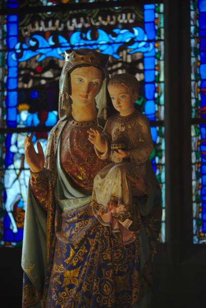 statue de la vierge - ferragosto foto e immagini stock