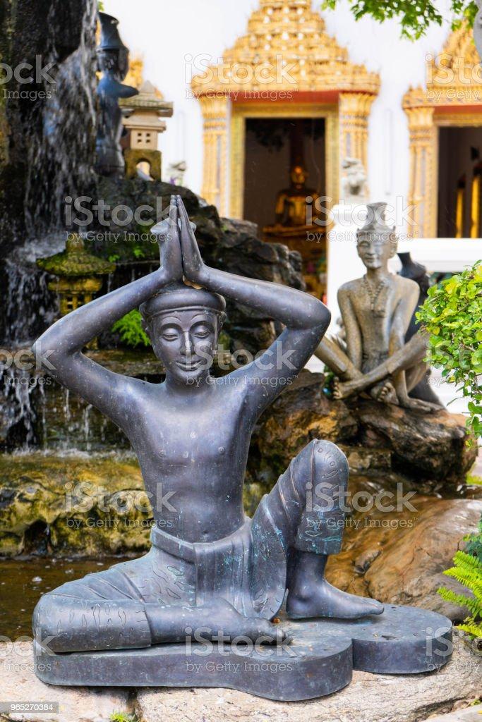 Statue in the Wat Pho or Wat Phra Chetuphon Vimolmangklararm Rajwaramahaviharn zbiór zdjęć royalty-free