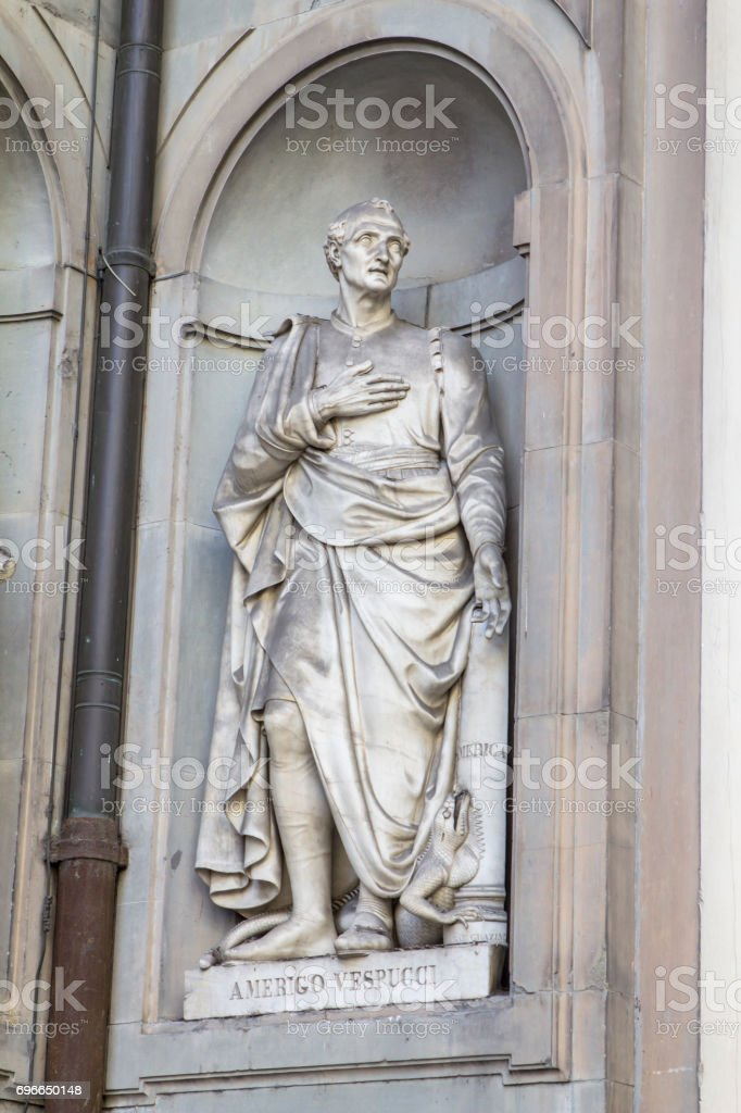 Statue of Amerigo Vespucci, Florence, Italy - foto stock
