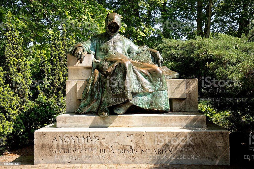 Estátua de anónimo em Budapeste - fotografia de stock