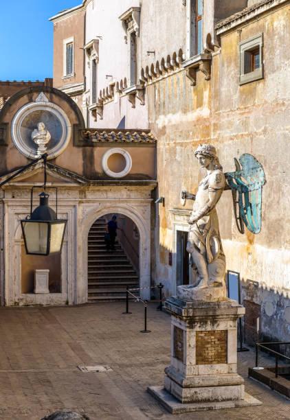 Estátua do Archangel Michael em Castel Sant'Angelo, Roma, Italy - foto de acervo