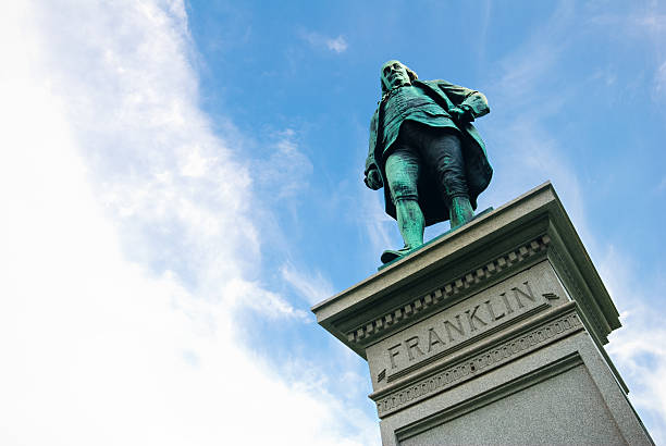 """Statue of Benjamin Franklin at Lincoln Park in Chicago, IL """"Statue of Benjamin Franklin at Lincoln Park in Chicago, IL. Sculpted by R.H. Park and donated to the city of Chicago by Joseph Medill in 1896. The bronze statue is 9 feet high set upon a 12 foot high pedestal."""" benjamin franklin stock pictures, royalty-free photos & images"""