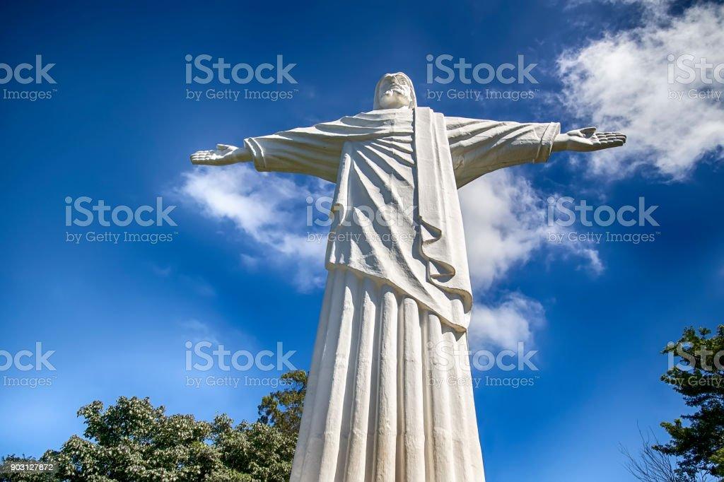 Estátua de Cristo em São Pedro, SP, Brasil - foto de acervo