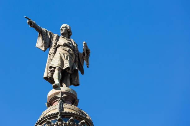 statue of christopher columbus in barcelona - columbus day zdjęcia i obrazy z banku zdjęć