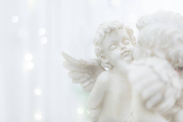 Statue of couple cupid in wedding ceremony scene. - foto de stock