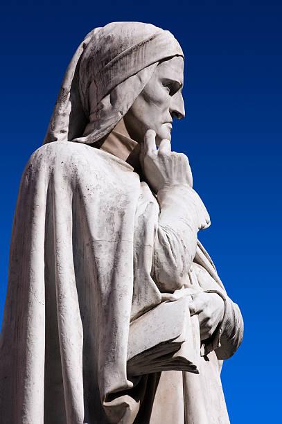 statua di dante verone (verona italia) - dante alighieri foto e immagini stock