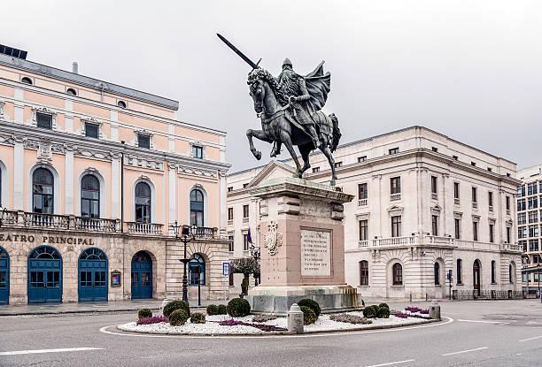 estatua de el cid de burgos, españa - burgos fotografías e imágenes de stock