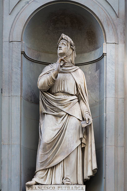 Statua di Francesco Petrarca - foto stock