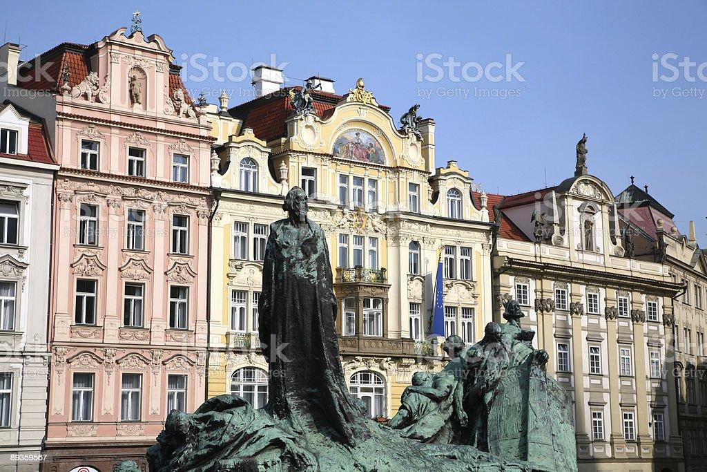 Statua di John Hus nel centro di Praga, Repubblica Ceca foto stock royalty-free
