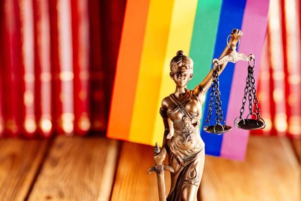 Justizvollzugsanstalt-Symbol für Recht und Gerechtigkeit mit Lumbt-Flagge – Foto